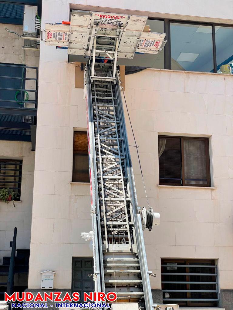 mudanzas madrid maquina elevadora 9 pisos